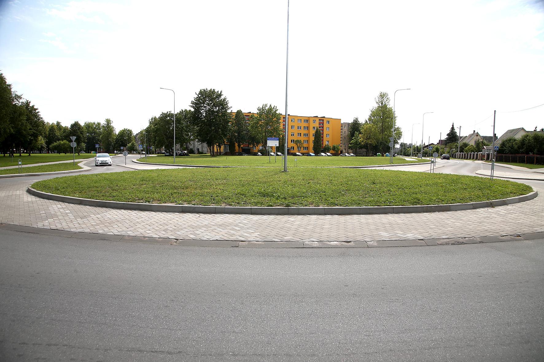 A. Kanapinsko gatvė rekonstruota taip, kad dabar reikalaujama grąžinti neteisėtai panaudotą įspūdingą europinių pinigų sumą. Algimanto Barzdžiaus nuotr.