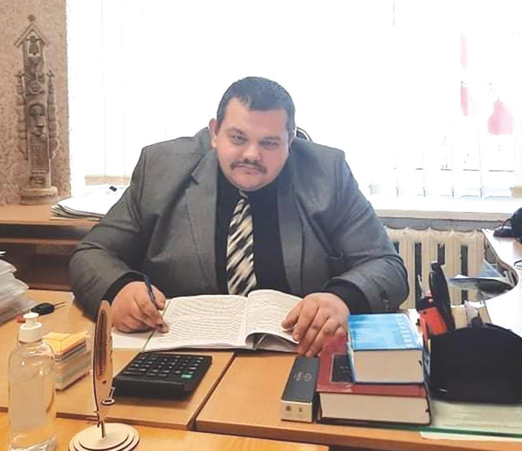 Krakių seniūnas E. Barčas atviravo, kad V. Ulevičiaus vardo muziejaus atidarymas Krakėse būtų ir jo asmeninė laimė./Dimitrijaus Kuprijanovo nuotr.