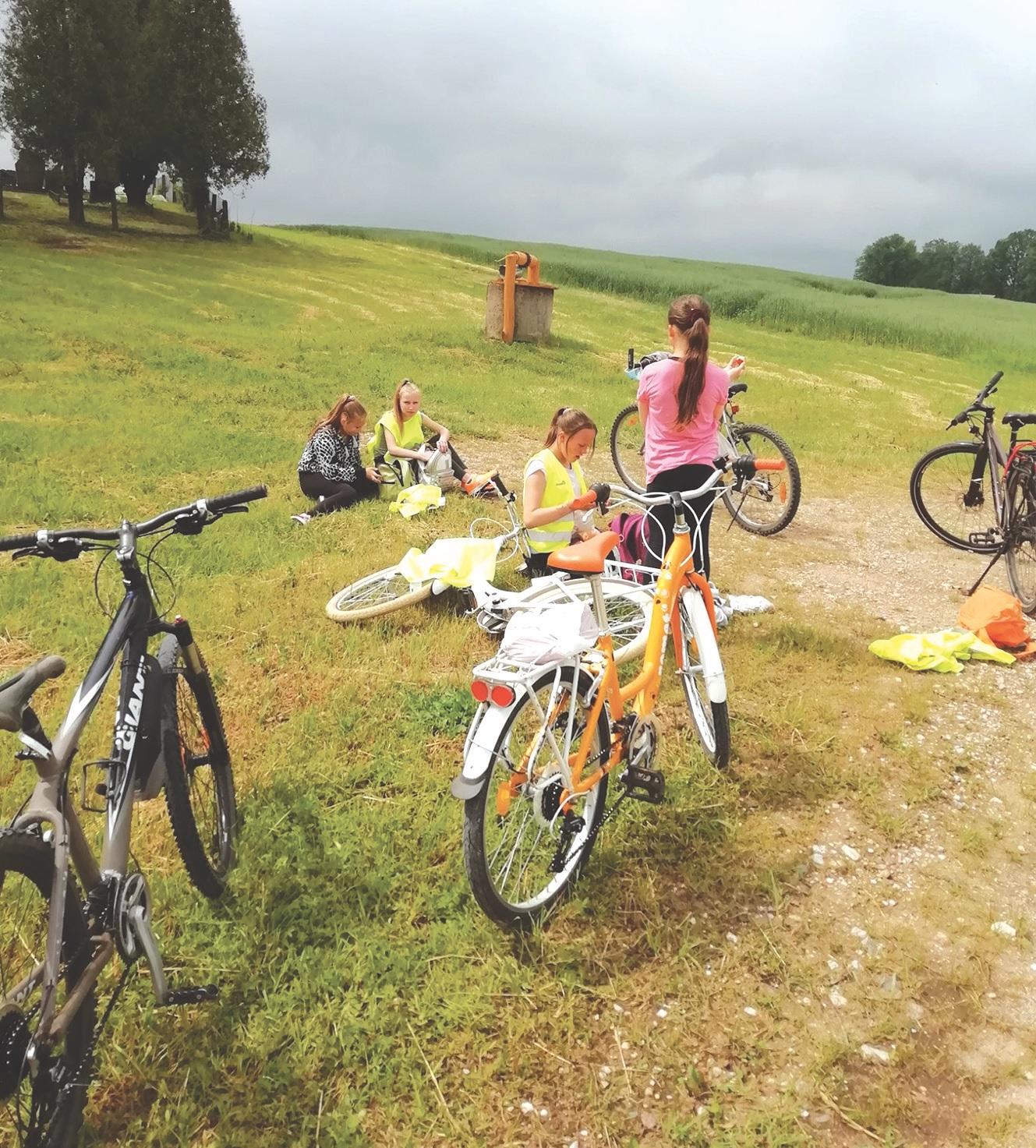Pirmasis šios vasaros vaikų žygis dviračiais.